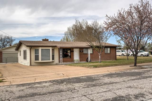 394 N 200 W, Clearfield, UT 84015 (#1735956) :: Doxey Real Estate Group