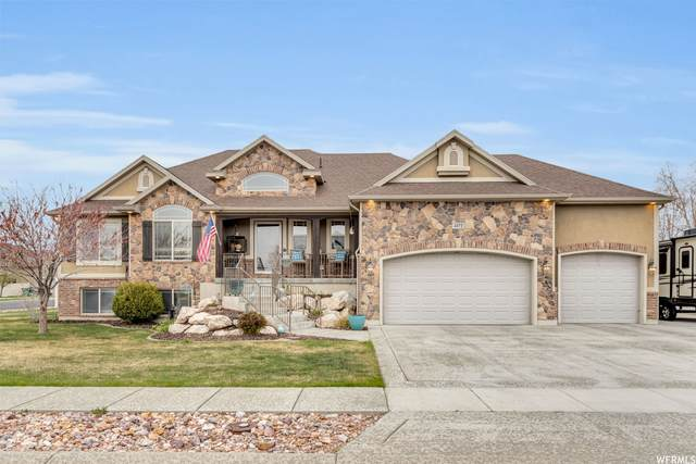 4872 W 4825 S, Hooper, UT 84315 (#1736099) :: Doxey Real Estate Group
