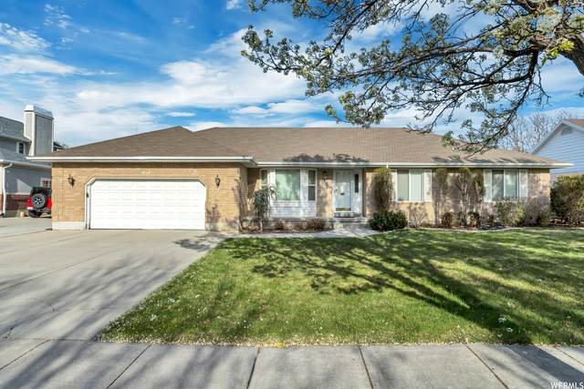 9747 S Windsor Manor Ct W, South Jordan, UT 84095 (#1737083) :: Black Diamond Realty