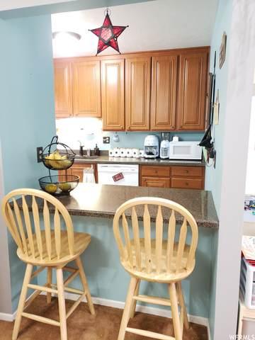 1243 E Cottonwood Hills Dr, Sandy, UT 84094 (#1738111) :: Red Sign Team