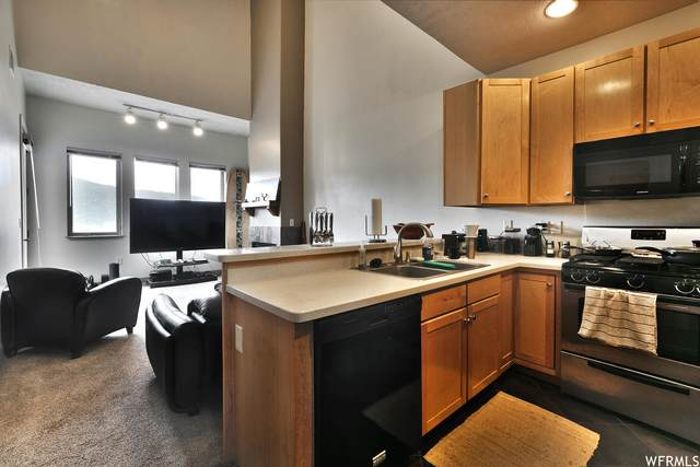 6605 N 2200 W E306, Kimball Junction, UT 84098 (MLS #1738241) :: Lookout Real Estate Group