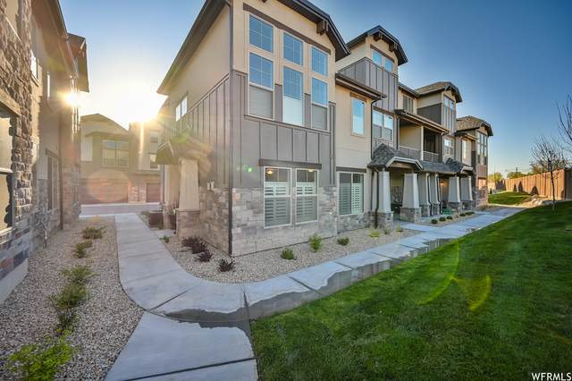10555 S Sandy Sage Way, Sandy, UT 84070 (#1738778) :: Pearson & Associates Real Estate
