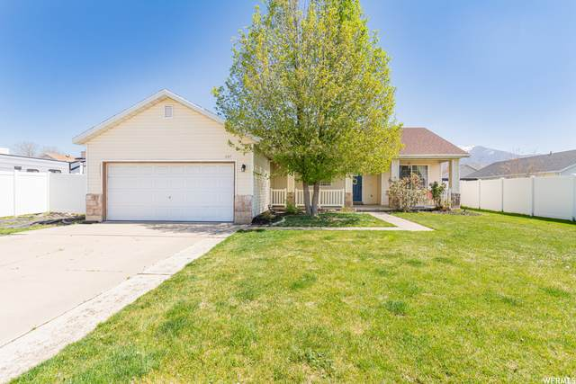 337 S Christine Way, Kaysville, UT 84037 (#1738900) :: The Perry Group