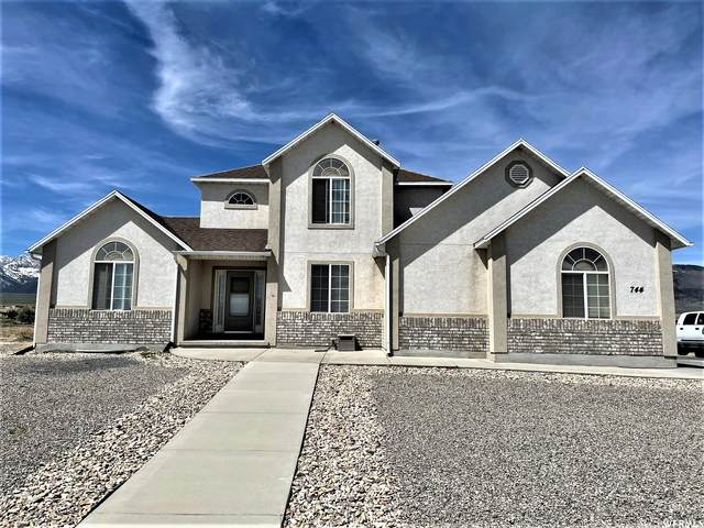 744 W Island Cir, Grantsville, UT 84029 (#1739000) :: Utah Dream Properties