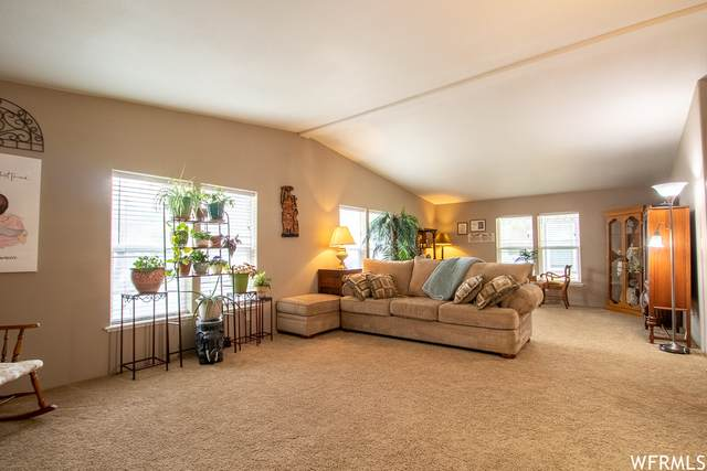 4990 S Camino Real Dr E, Salt Lake City, UT 84117 (#1739022) :: The Perry Group