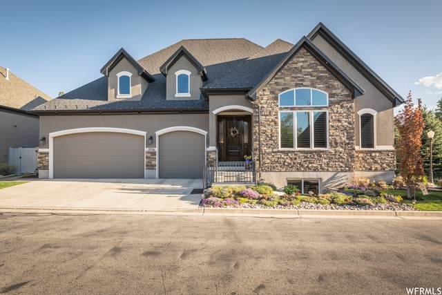 1936 E Villa Park Ln S, Holladay, UT 84121 (#1739816) :: Livingstone Brokers
