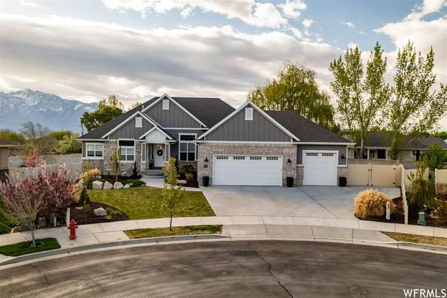 1597 W Hunters Creek Cir S, South Jordan, UT 84095 (#1740080) :: goBE Realty