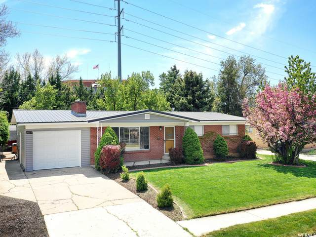 1127 E 41ST ST, South Ogden, UT 84403 (#1740329) :: Big Key Real Estate