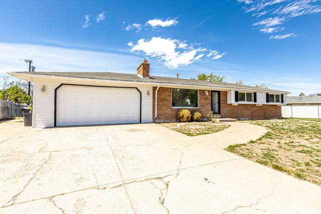 5541 S 800 E, South Ogden, UT 84405 (#1740617) :: goBE Realty
