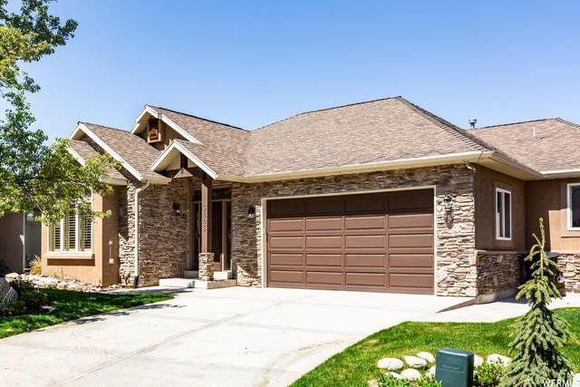 3205 E Lantern Hill Ct, Sandy, UT 84093 (#1740831) :: Black Diamond Realty