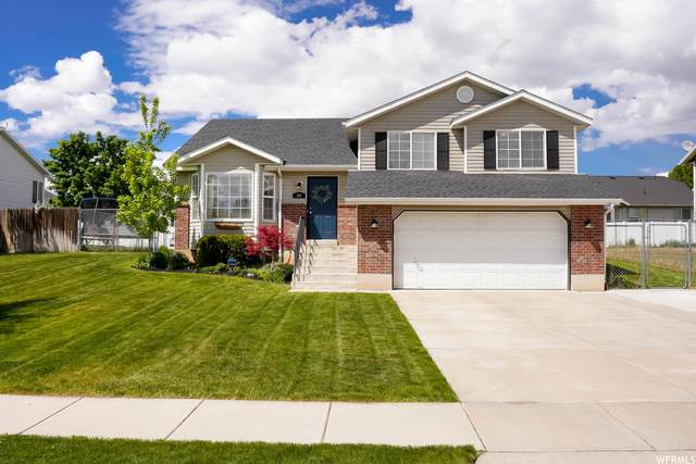 207 E 2450 S, Clearfield, UT 84015 (#1741224) :: Doxey Real Estate Group