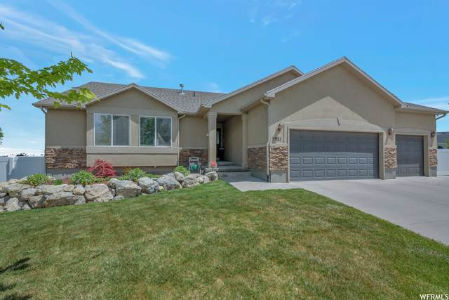 2921 S Hunter Mesa Dr W, West Valley City, UT 84128 (#1741678) :: Black Diamond Realty