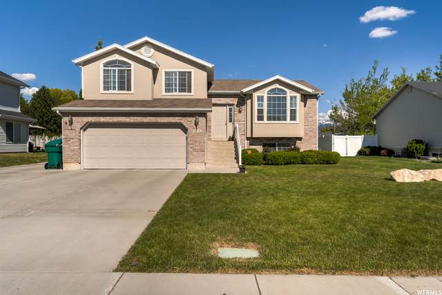 2263 S 225 E, Clearfield, UT 84015 (#1741924) :: McKay Realty