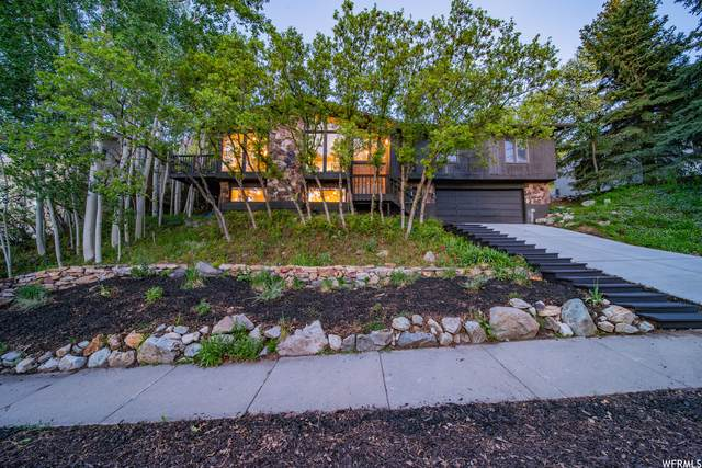 8555 S Top Of The World Cir E, Salt Lake City, UT 84121 (#1742100) :: Black Diamond Realty