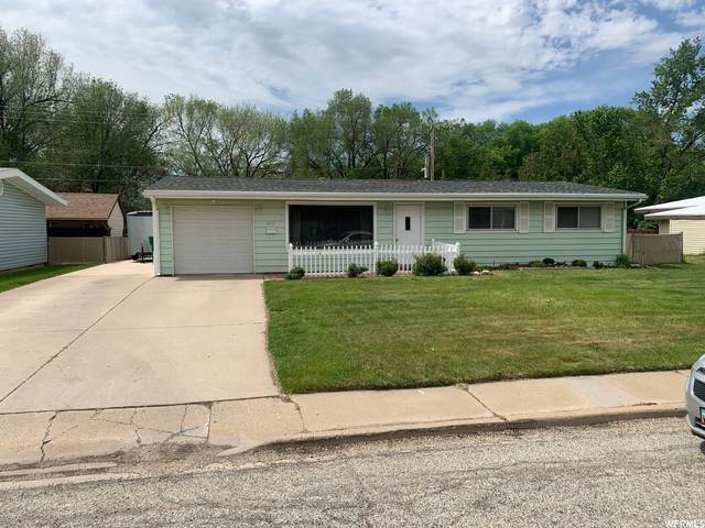 6053 S 2275 W, Roy, UT 84067 (#1743266) :: Doxey Real Estate Group