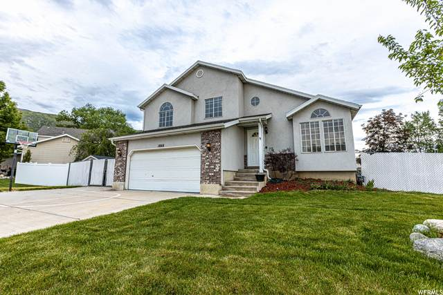 1668 N Lewis & Clark Dr W, Centerville, UT 84014 (#1744368) :: Gurr Real Estate