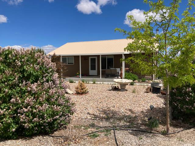 1933 S Lee Ln, Vernon, UT 84080 (#1744892) :: Doxey Real Estate Group