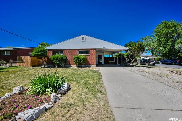 3484 W Meadowbrook Dr S, West Valley City, UT 84119 (#1746272) :: The Perry Group