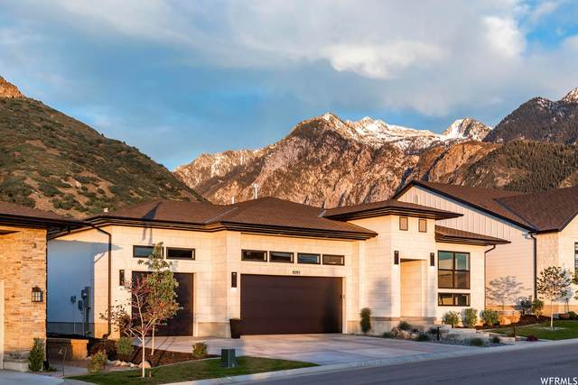 9295 S Trouville Ln E, Cottonwood Heights, UT 84092 (#1747355) :: goBE Realty