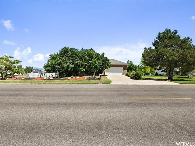 4318 S 5900 W, Hooper, UT 84315 (#1748722) :: Doxey Real Estate Group