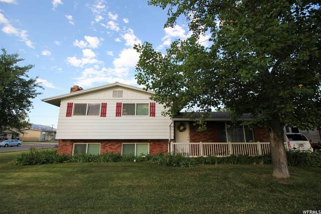 4328 S 2175 W, Roy, UT 84067 (#1749216) :: Doxey Real Estate Group