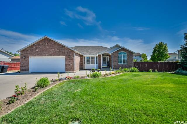 1153 W 2500 N, Clinton, UT 84015 (#1749366) :: Doxey Real Estate Group