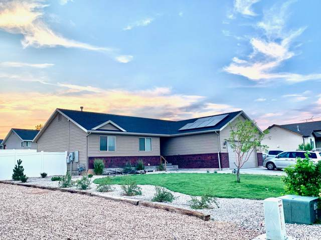 2854 S 350 W, Vernal, UT 84078 (#1749381) :: Doxey Real Estate Group