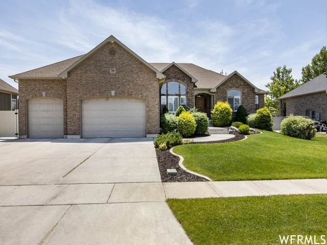 795 W 2150 S, Syracuse, UT 84075 (#1749459) :: Doxey Real Estate Group