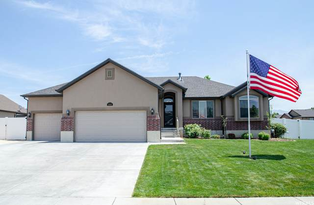 2408 N 1445 W, Clinton, UT 84015 (#1749619) :: Doxey Real Estate Group