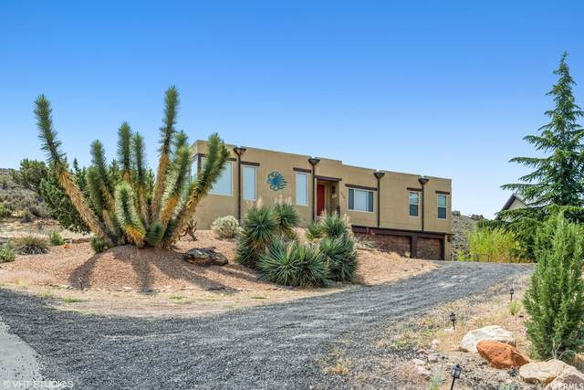 1075 W Emerald Dr, St. George, UT 84770 (#1749745) :: Powder Mountain Realty