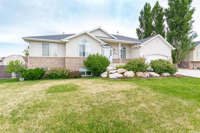 1434 W 1100 N, Farr West, UT 84404 (#1749986) :: Colemere Realty Associates