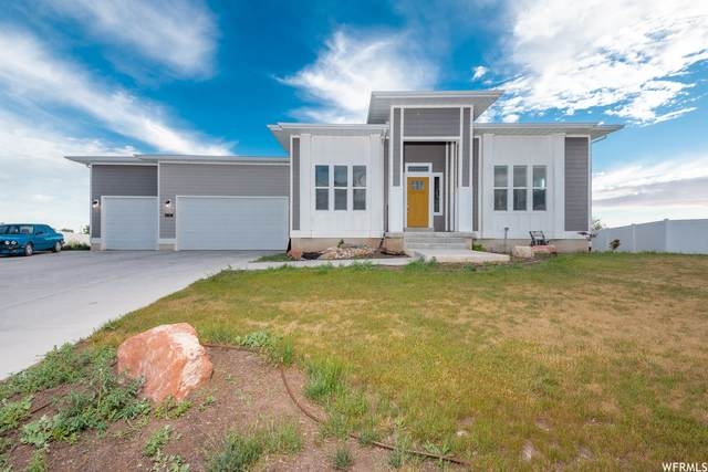 63 W 2300 S, Kaysville, UT 84037 (#1750046) :: The Perry Group