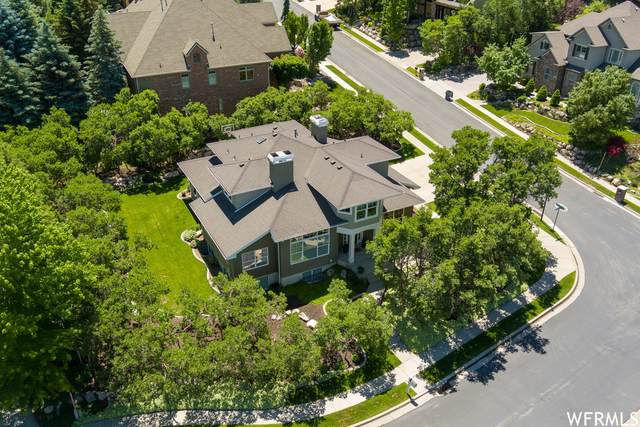 1136 Wood Briar Cir, North Salt Lake, UT 84054 (#1750571) :: Colemere Realty Associates