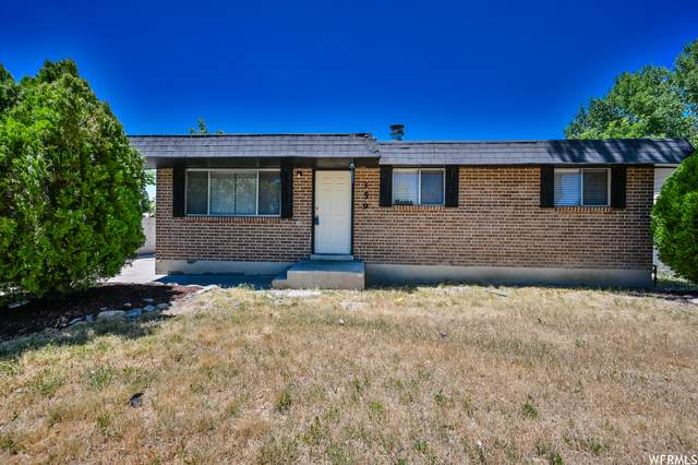 359 N Starcrest Dr W, Salt Lake City, UT 84116 (#1751431) :: UVO Group | Realty One Group Signature