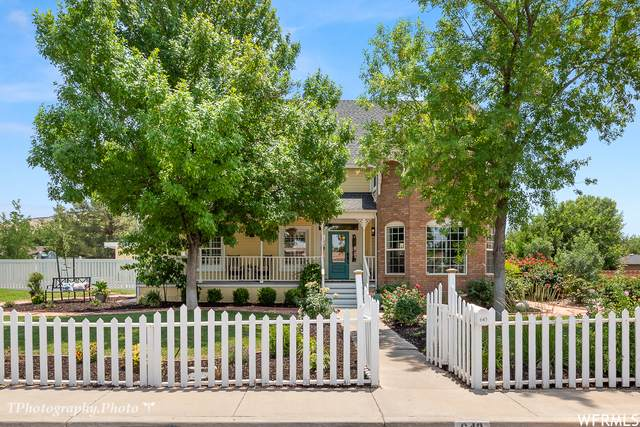 643 W Saratoga Dr, St. George, UT 84790 (#1751500) :: UVO Group | Realty One Group Signature