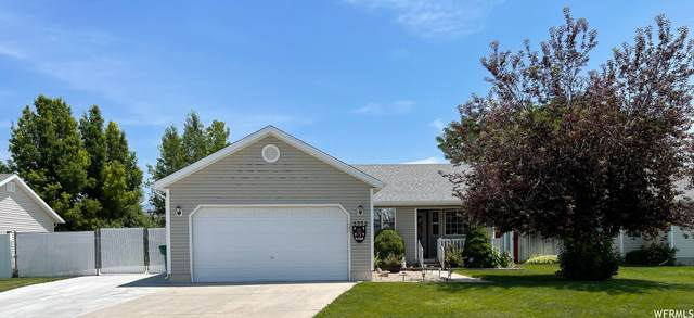 5332 S 4150 W, Roy, UT 84067 (#1752172) :: Colemere Realty Associates