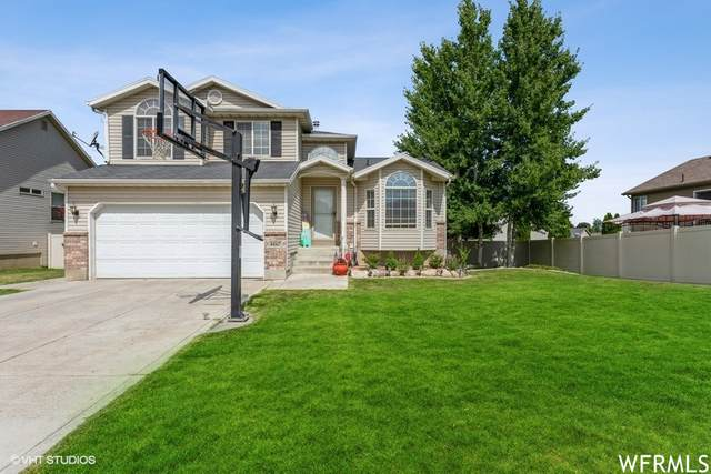 4067 Lily Dr, Roy, UT 84067 (#1752706) :: UVO Group   Realty One Group Signature