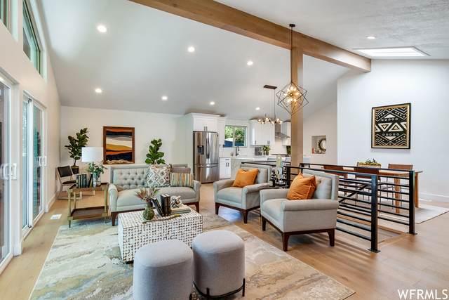 8894 S Alpen Way, Cottonwood Heights, UT 84121 (#1752874) :: UVO Group | Realty One Group Signature
