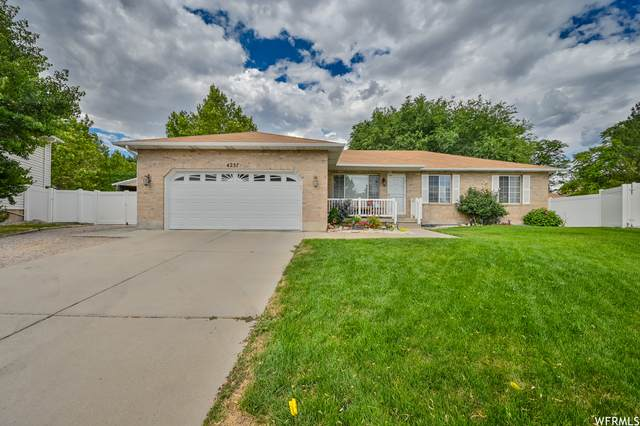 4257 S Rupp Ct, Taylorsville, UT 84129 (#1753107) :: UVO Group   Realty One Group Signature
