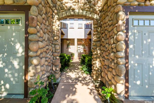 4480 S Kelmscott Ln A, Millcreek, UT 84124 (#1753815) :: Utah Real Estate