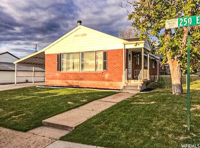 4572 S 250 E, Washington Terrace, UT 84405 (#1755268) :: Berkshire Hathaway HomeServices Elite Real Estate