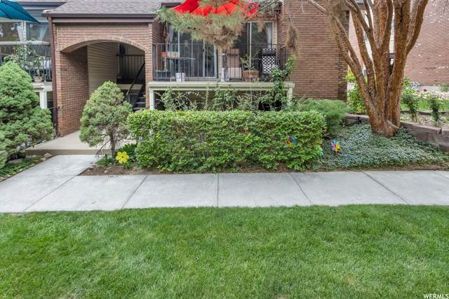 8123 S Cottonwood Hills Cir E, Sandy, UT 84094 (#1756843) :: Utah Real Estate