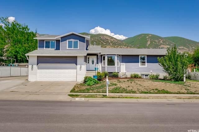 1368 N 225 W, Centerville, UT 84014 (#1757543) :: Powder Mountain Realty