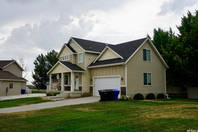 3877 N 1725 W, Pleasant View, UT 84414 (#1759041) :: Colemere Realty Associates
