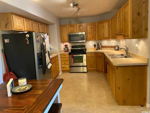 8246 N Cedar Springs Rd #11, Eagle Mountain, UT 84005 (#1759441) :: The Lance Group