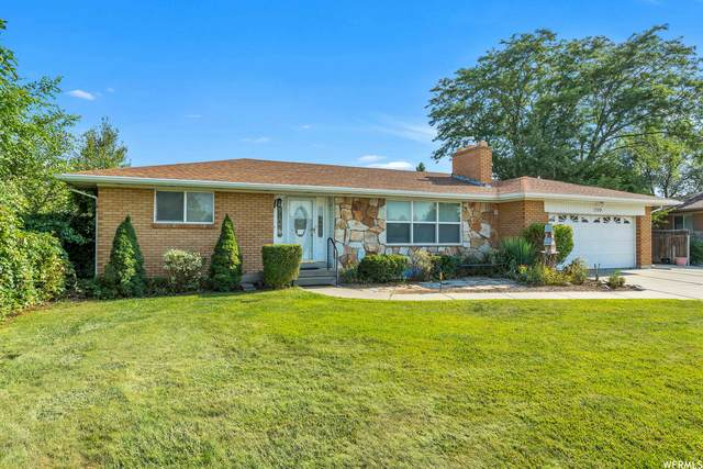 1369 W Pinewood Dr, Taylorsville, UT 84123 (#1760880) :: Colemere Realty Associates