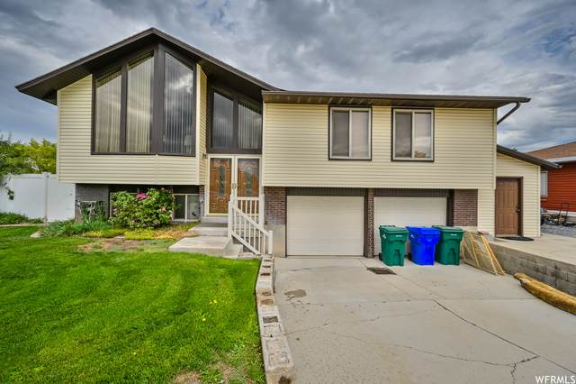 2106 W 12060 S, Riverton, UT 84065 (#1768644) :: The Perry Group