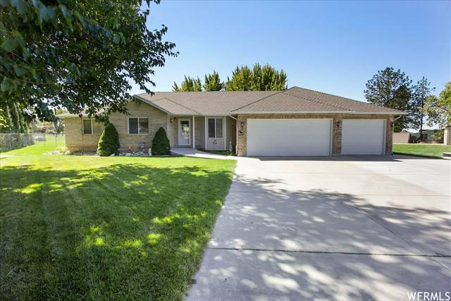 6055 S 3050 W, Roy, UT 84067 (#1770102) :: The Perry Group