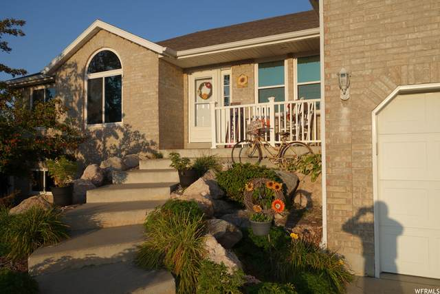 4730 S 6150 W, Hooper, UT 84315 (#1770863) :: Doxey Real Estate Group