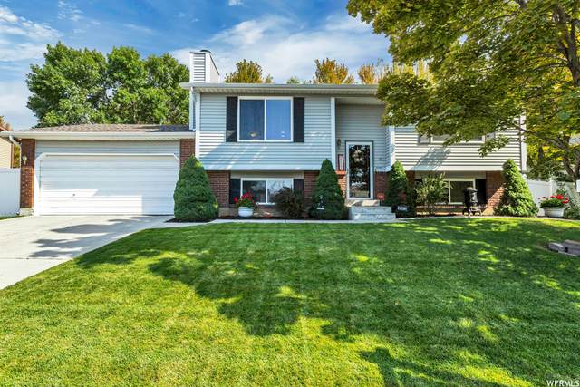 10197 S Countrywood Dr, Sandy, UT 84092 (#1771014) :: Red Sign Team